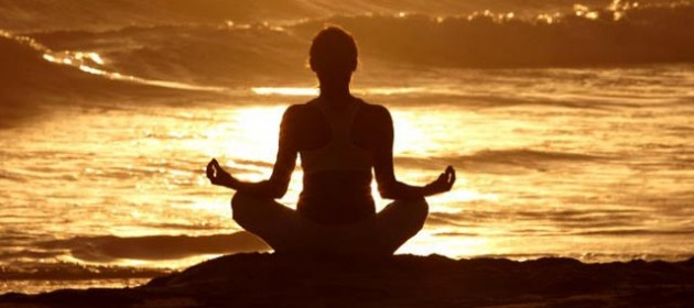meditacion_playa-1-630x280